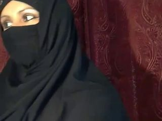 Arab Webcam Wife
