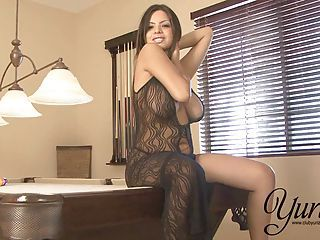 Yurizan Beltran Takes Off Her Sexy Black Dress And Plays With Her Slop...
