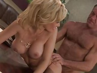 Glamorous hottie Holly Sampson wants him in rendezvous