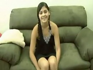Amateur Cute Arab Teen from UAE first Time Virgin Defloration sex