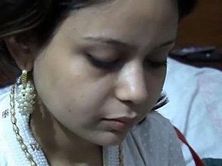Indian hot Punjabi teen Sara Khan scandal enjoyed in hotel by paying uncle HQ