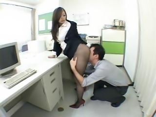 Babe Japanese Licking Office Pantyhose Pornstar