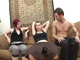Amateur Goth Teen Threesome
