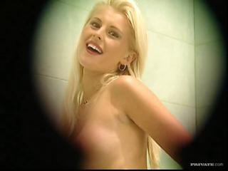 Peeping On Sandra Russo as She Masturbates With The Shower Sprayer