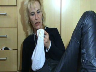 Mature With Wet Pussy And Stinky Panties.