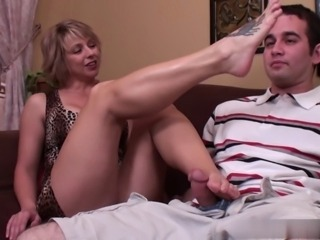 stepmom footjob