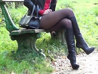 Walking leather outfit + hooker