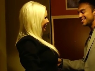 Milf Holly in Hotel
