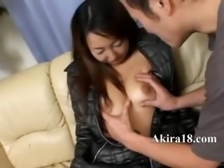 Sexy 18yo amateur from Japan gagging