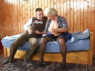 granny - Mature sex video -