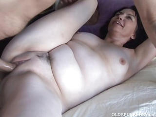 Gorgeous Mature Amateur Loves To Fuck