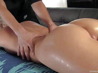 Blonde Babe Kimmy Olsen With Delicious Big Ass Enjoys Massage In The N...
