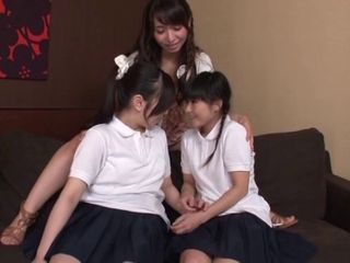 Japanese girls foreplay1241