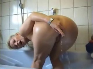 Amateur Mature Woman Hard Anal Fuck In The Bathroom
