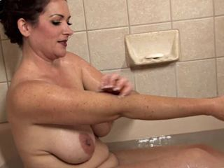 Amazing Mature Takes a Bath...