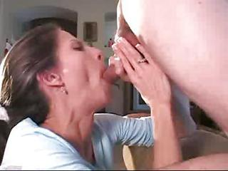 Milf Sucking And Drinking The Ju...