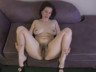 Amateur Chubby Hairy Mature Pussy