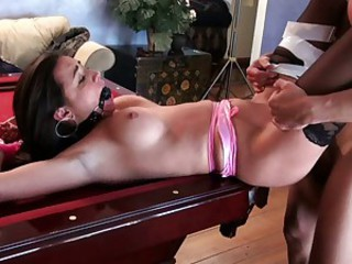 Stephanie Moretti lusty babe do a hard mouth job