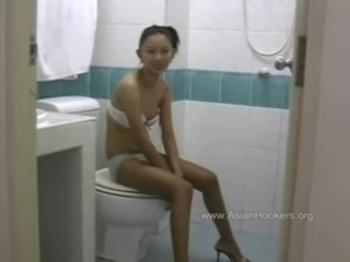 Amateur Asian Skinny Teen Thai Toilet