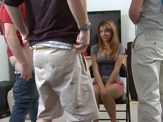 Amatér Mamina  co bych píchal Gang bang Večírek Studentka Teenagery