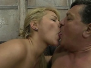 Hardcore Kissing MILF Old and Young