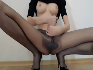 Hot 18yo girl finger in front of mirorr