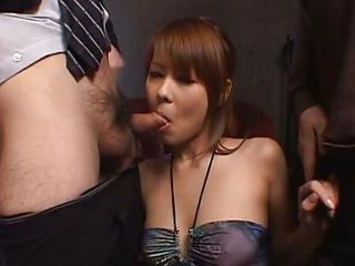 Sakurako Japanese Doll Gives An Amazing Blow