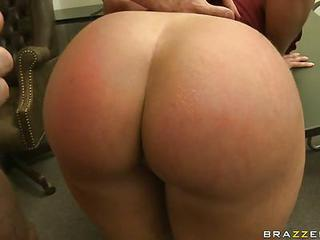 Dirty Bitch Kelly Divine Takes A Big Dick  In Her Hot Ass
