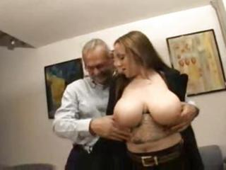 Amateur Big Tits Chubby European Italian Natural Old and Young SaggyTits
