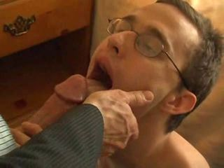 Str8 with Glasses suck this first dick