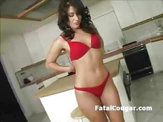 Big Butt Sexy Housewife Strips A...