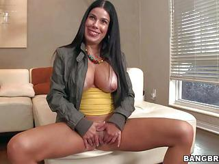 Patty Is A Sexy Spanish Mommy Wi...