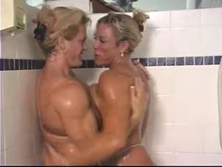 MILF MUSCLED BABES IN THE SHOWER - londonlad
