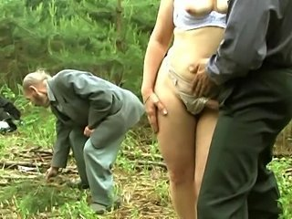 Amateur Chubby MILF Outdoor