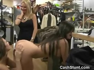 Wild amateurs dyke out for cash