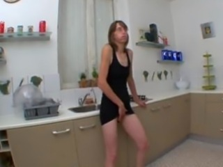 Amateur Kitchen Masturbating Mature Skinny