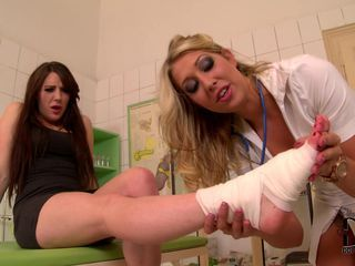 Foot doctor babe gets her han...