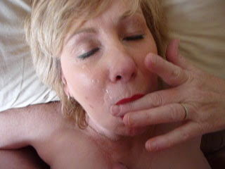 Mature blowjob and cumshot...