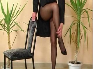 Another classic pantyhose ree...