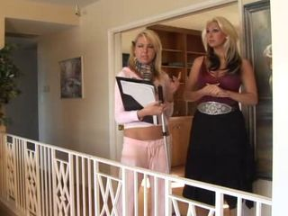 Girls in Love - MILF seduces ...