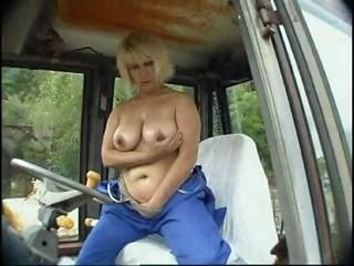 Chubby old redneck slut takes the time to masturbate during her working day