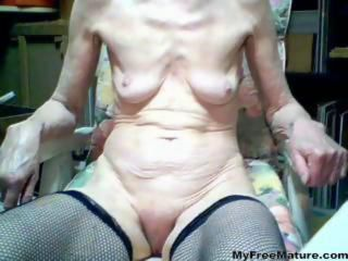 Housewife Real Bitch mature mature porn granny old cumshots cumshot