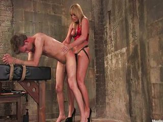 Flower Tucci and Dean Men in pain