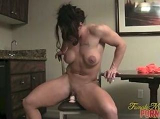 Amateur Masturbating MILF Muscled Toy