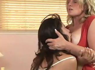Horny housewives start to make love _: fingering lesbians milfs