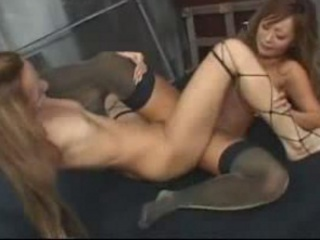 2 Hot Dancer In Sexy Stockings Rubbing Pussies In Sc...