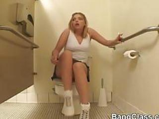 Schoolgirl loves 3some in the bathroom