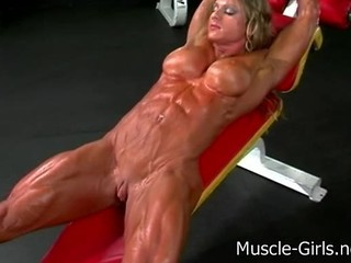 Massive Muscular Ripped Female B...