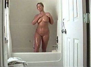 MILF Hidden Masturbation In The Shower