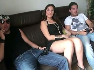 Amateur Chubby European French MILF Threesome